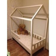 Белая деревянная кровать Домик