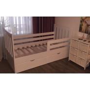 Деревянная кровать с ящиками